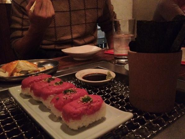 3 Gyutoro-Temaki Sushi